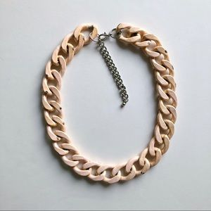 SUZY SHIER Chunky Peach Metal Chain Necklace